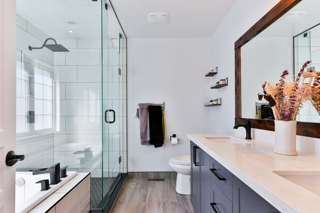 Design Tips for a Luxurious Bathroom