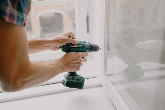5 Tips For Picking The Right Window Contractor For Your Home