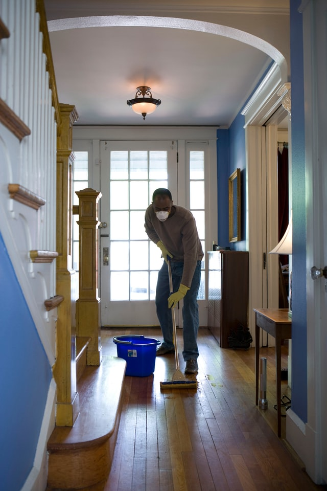 Use the 20/10 Method for Keeping Your House Clean